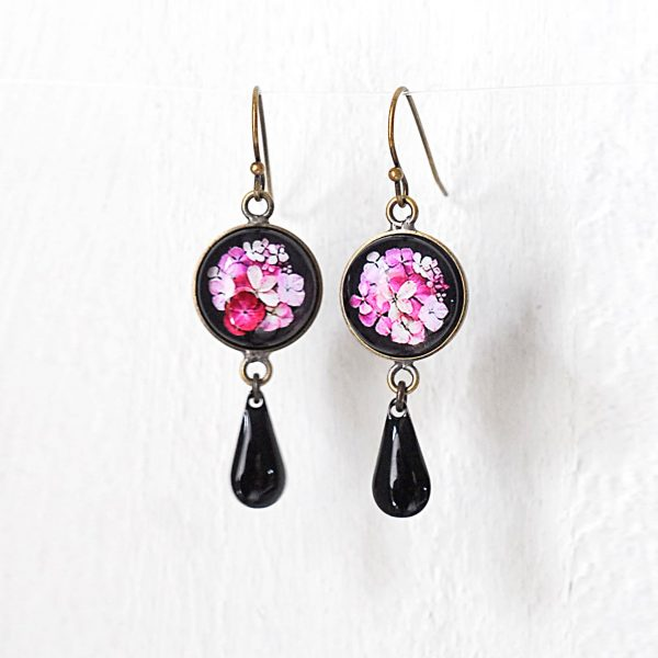 Boucles d'oreilles rondes pampilles 'Hana' fleurs d'hortensia ©Kim et Lilas