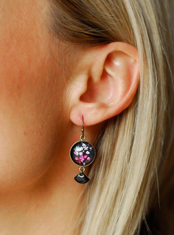 Boucles d'oreilles 'Hana' fleurs d'hortensia ©Kim et Lilas