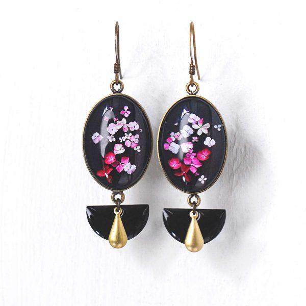 Boucles d'oreilles ovales 'Hana' fleurs d'hortensia ©Kim et Lilas