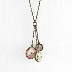 Collier sautoir un printemps au Japon