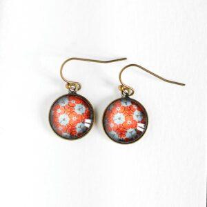 Boucles d'oreilles rondes Millefiori fleur d'hortensia corail ©Kim et Lilas